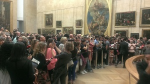 Mona Lisa's paparazzi at the Louvre